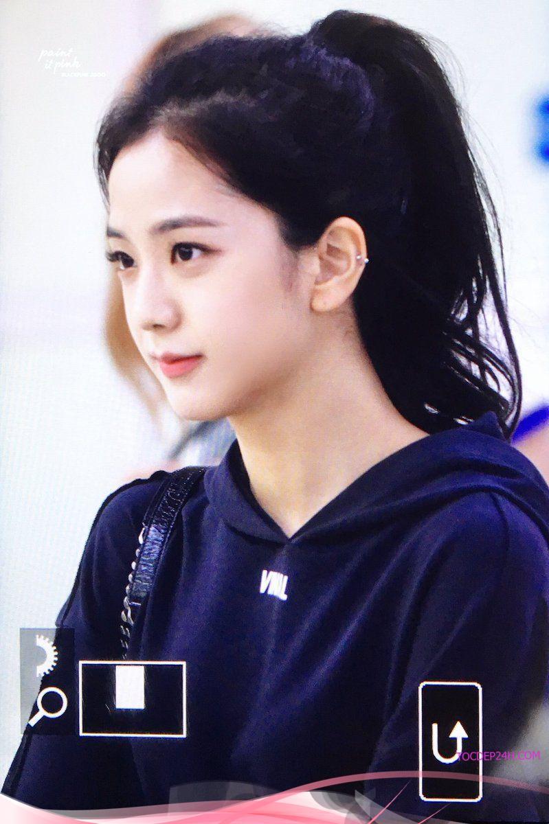 Học Jisoo buộc tóc với 4 kiểu đơn giản