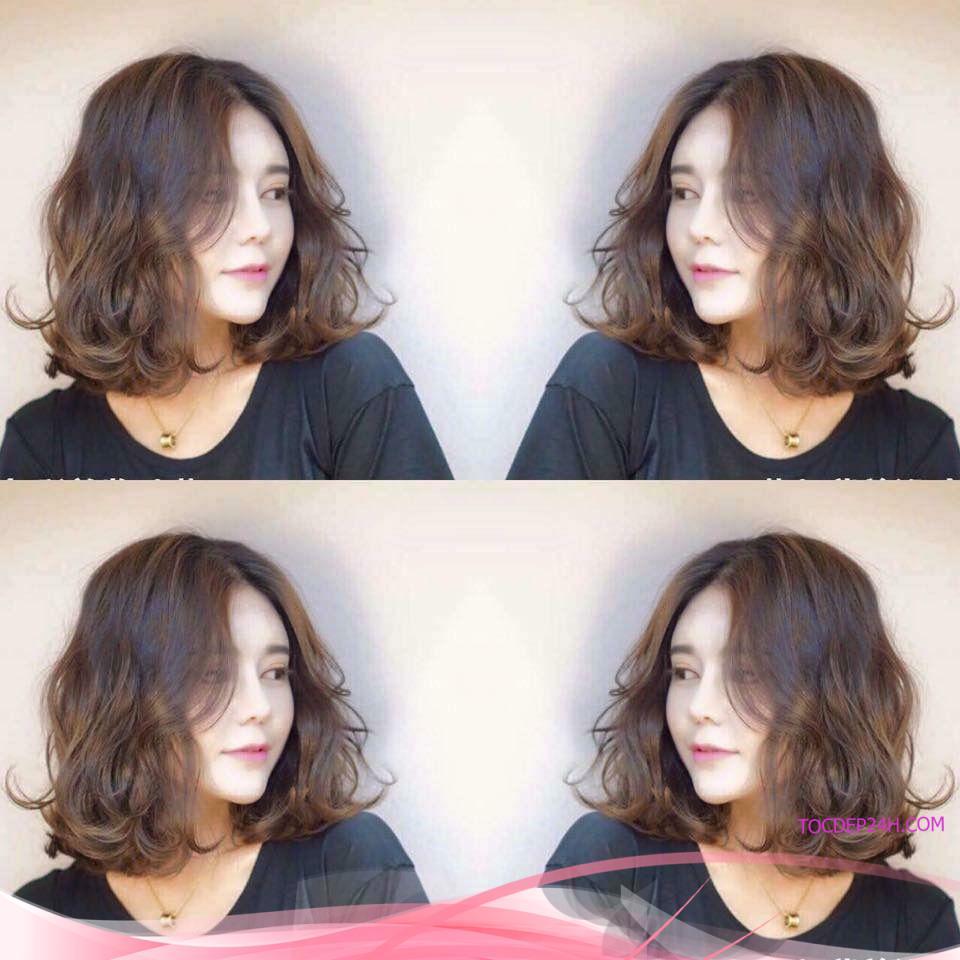 Lạ và độc đáo cá tính với mẫu tóc xoăn nhẹ tự nhiên kết hợp để ngỗi giữa