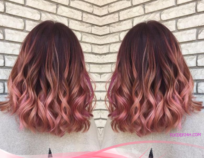 Những cô nàng cá tính chắc chắn sẽ thích mẫu tóc xoăn nhẹ gẩy light sáng màu