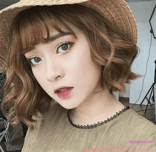 Tóc ngắn Hàn Quốc xoăn sóng nhẹ Những kiểu tóc ngắn Hàn Quốc đẹp nhất dẫn đầu 2021
