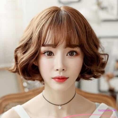 Tóc ngắn Hàn Quốc xoăn đuôi cụp Những kiểu tóc ngắn Hàn Quốc đẹp nhất dẫn đầu 2021