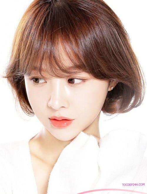 Tóc ngắn Hàn Quốc uốn đuôi xu hướng thời trang năm 2021