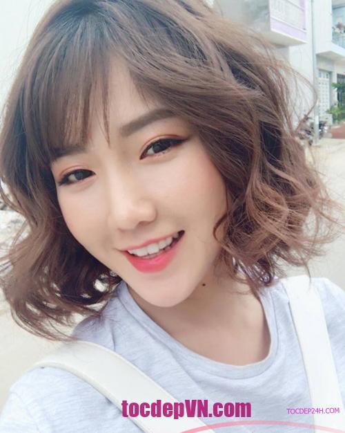 Tóc đẹp 24 giờ , tocdep24h.com kiểu tóc ngắn Uốn Xoăn đẹp 2021 - Tocdep24h.com