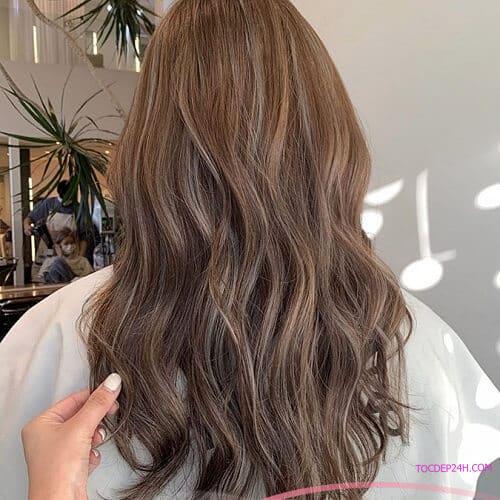 Tóc nâu be - Ảnh 5 5 Màu tóc nhuộm mùa hè xinh tươi, ngọt ngào tôn da trắng