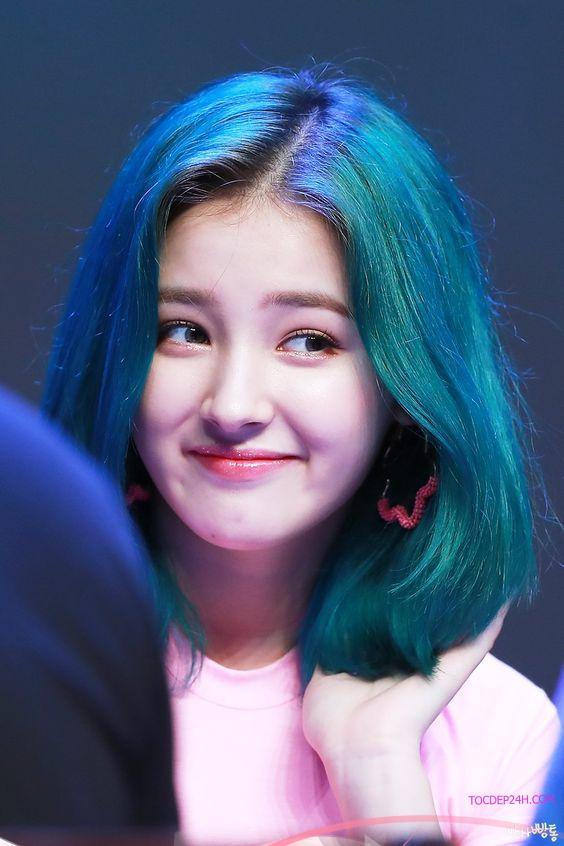 nhuom toc mau xanh duong dep ladystars 12 - tóc kiểu ngắn uốn cúp đẹp sóng sánh