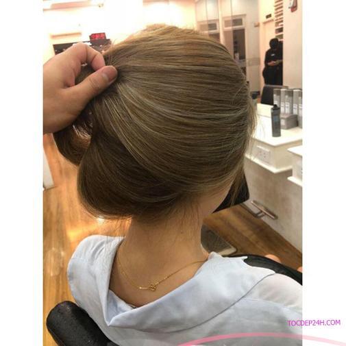Cắt tóc ngang vai mái dài