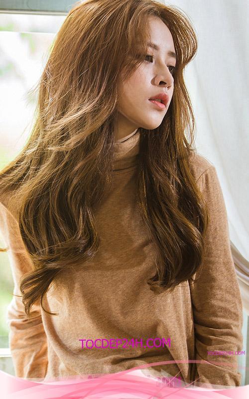 kiểu tóc xoăn sóng đẹp